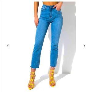Akira Boston Afternoon Straight Leg Frayed Jeans